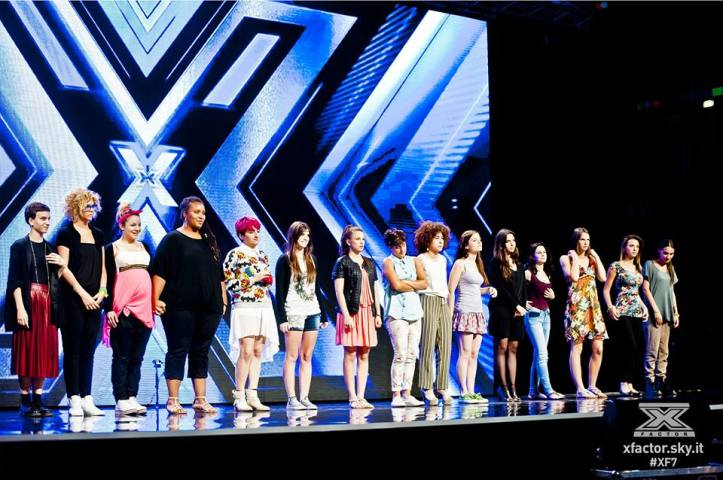 #XF7  under donne gruppo